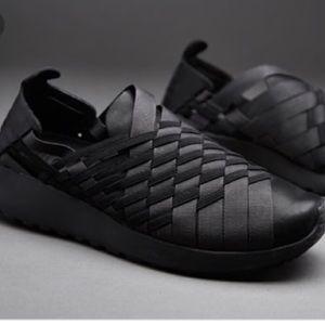 Nike Roshe 2.0 Woven Slip On Sneakers Size 8